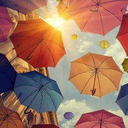 Модный зонт: защита от дождя и стильный аксессуар